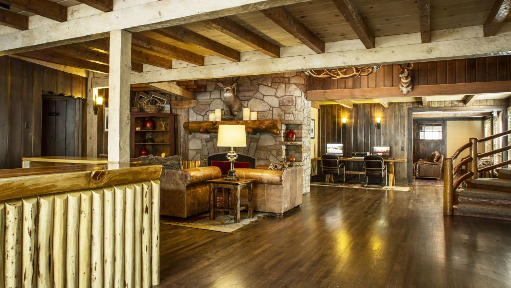 Jackson hole lodge in jackson wy jackson hole central reservations for 2 bedroom suites in jackson hole wy
